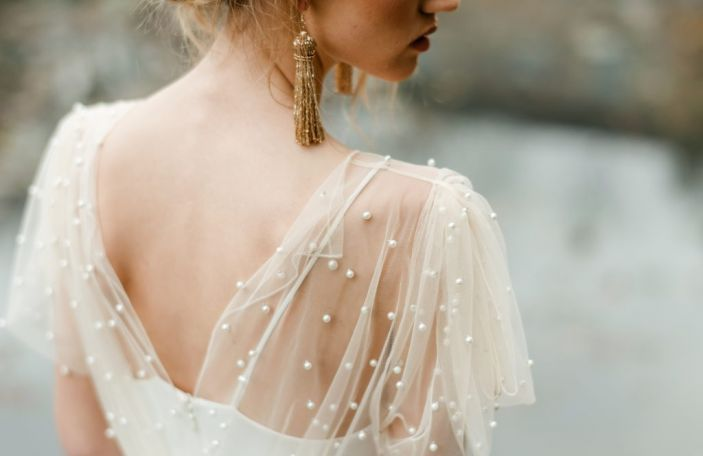 Elegant Wedding Dresses and Delicate Details at Cliff at Lyons