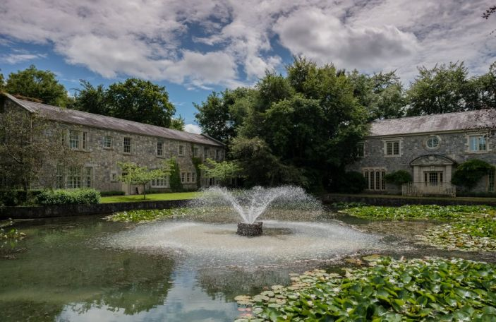 WIN! Romantic overnight break at Cliff at Lyons with dinner and prosecco