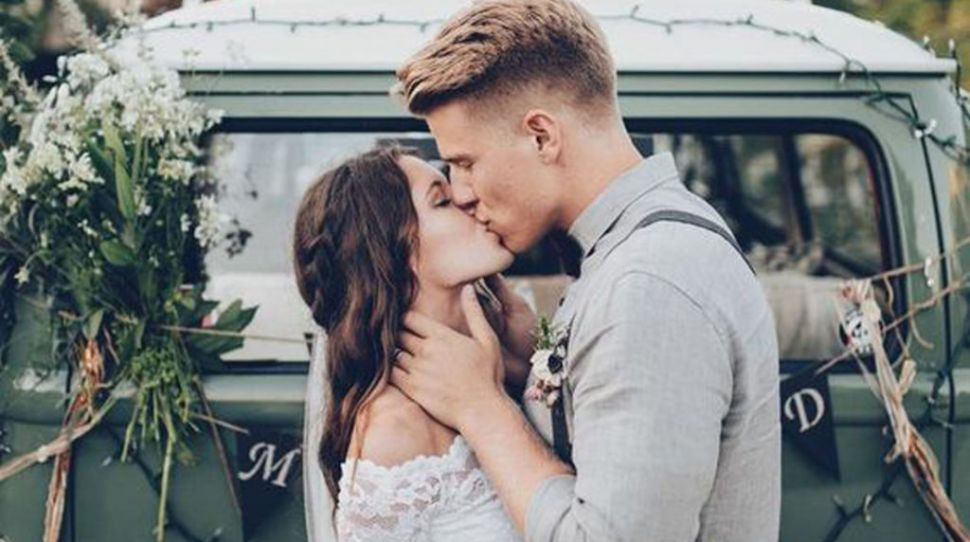 5 signs your partner is stressing out over wedding planning