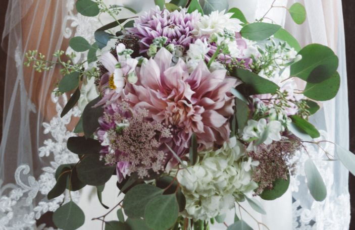 Flower Rangers: Top Tips to Help Your Wedding Flowers Go Further