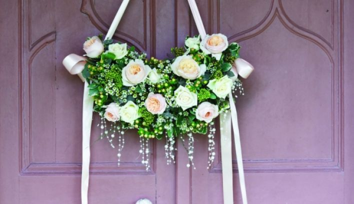 Inspirational Ideas For A Rose Themed Wedding Reception