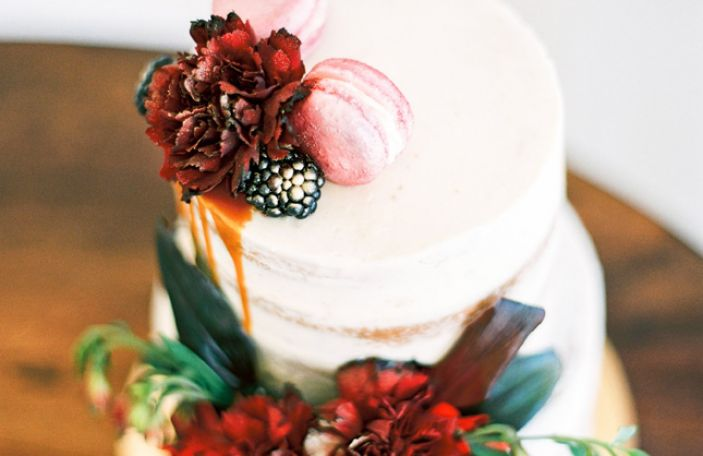 12 Days of Christmas Giveaways - €300 off wedding cakes by Kelly Lou Cakes
