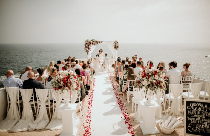 Confetti Loves April - 7 wedding suppliers you need to know!