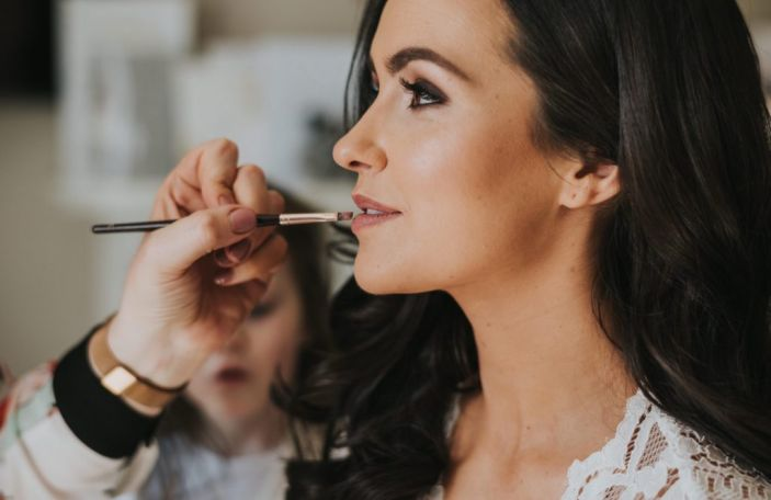 Top Tips for Choosing Your Wedding Makeup Artist