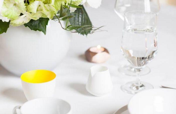 Elegant White and Green Wedding Table Inspiration
