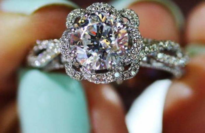 The Rocks Jewellers Guide to Buying a Diamond Ring