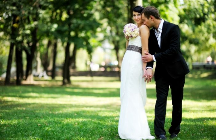 8 Tips for How to Look Great in Your Wedding Photos