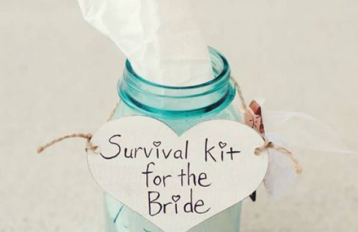 Top Tip / Pack a Bride's Emergency Kit