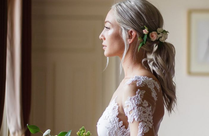 The Ultimate Wedding Fashion Checklist - everything you need in your wedding budget!
