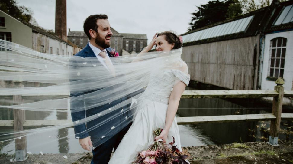 An Autumnal Wedding for Siuan and Shane at the Millhouse