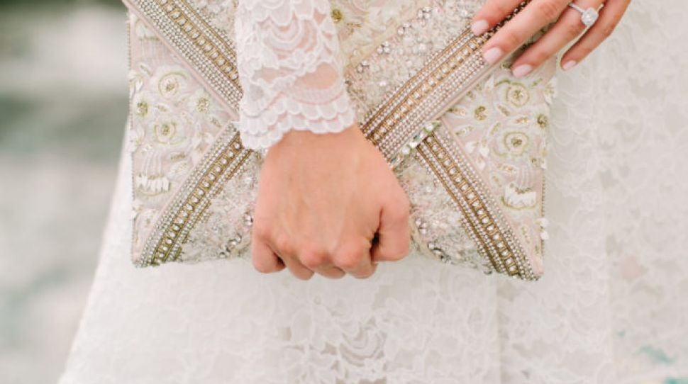 Nervous your period will come on your wedding day? Here's what to do!