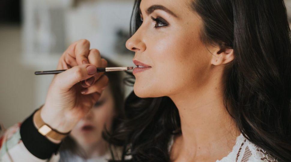 Top Tips for Choosing Your Wedding Makeup Artist