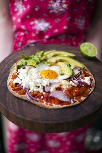 Huevos Rancheros Breakfast Pizza | DonalSkehan.com, Pizza for breakfast...Hell yeah!