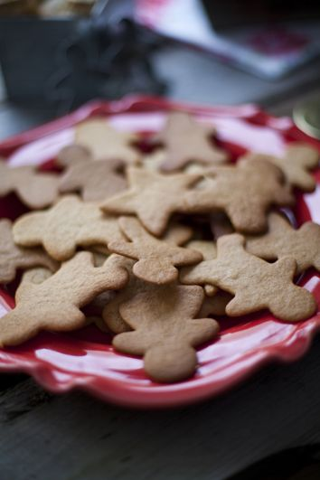 Crisp Gingerbread Biscuits | DonalSkehan.com, A must have at christmas!