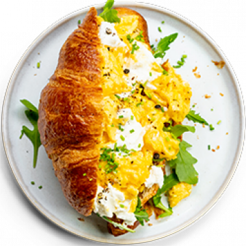 Breakfast - Scrambled Eggs with Goat's Cheese and Rocket