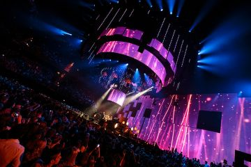 MTV EMAs 2013: On-Stage Action