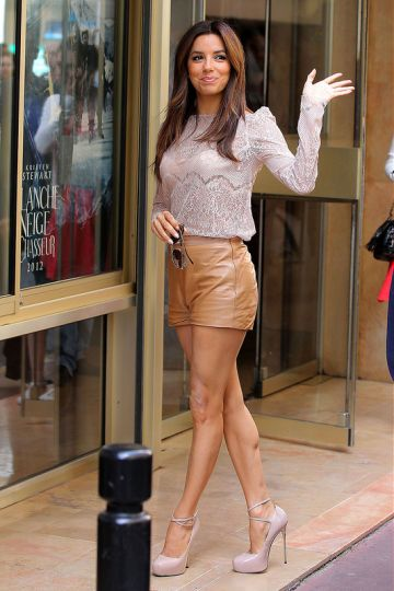 Eva Longoria goes shopping