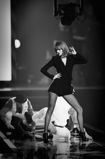Taylor Swift Tops Maxim Hot 100