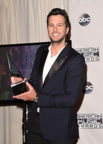 2015 American Music Awards - Press Room