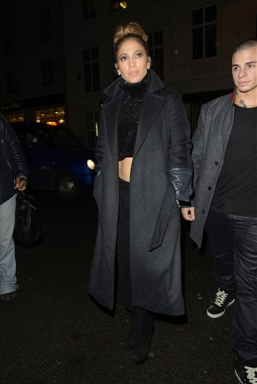 Jennifer Lopez shows off her abs