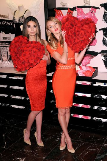 Victoria's Secret Angels share some love
