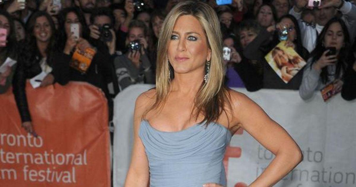 Jennifer Aniston and Sandra Bullock become bessie mates