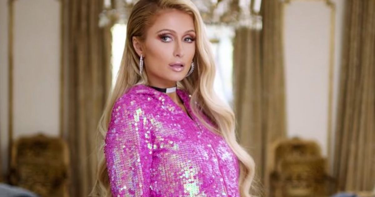 Watch: 2000s-era Paris Hilton returns to give us all the