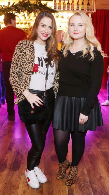 Pictured at the Amazing Aldi Christmas Showcase 2018 is Niamh Devereux and Victoria Stokes Photo: Leon Farrell/Photocall Ireland