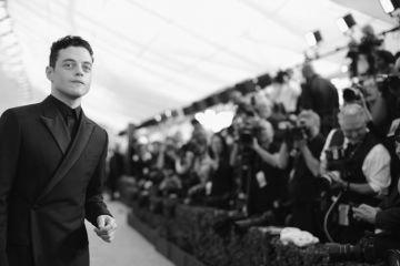LOS ANGELES, CA - JANUARY 27:  (EDITORS NOTE: Image has been shot in black and white. Color version not available.)  Rami Malek attends the 25th Annual Screen Actors Guild Awards at The Shrine Auditorium on January 27, 2019 in Los Angeles, California. 480620  (Photo by Charley Gallay/Getty Images for Turner)