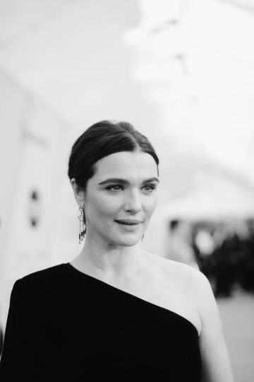 LOS ANGELES, CA - JANUARY 27:  (EDITORS NOTE: This image has been converted to black and white.) Rachel Weisz attends the 25th Annual Screen Actors Guild Awards at The Shrine Auditorium on January 27, 2019 in Los Angeles, California. 480620  (Photo by Charley Gallay/Getty Images for Turner)