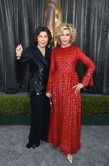 LOS ANGELES, CA - JANUARY 27:  Lily Tomlin (L) and Jane Fonda attend the 25th Annual Screen Actors Guild Awards at The Shrine Auditorium on January 27, 2019 in Los Angeles, California. 480595  (Photo by Dimitrios Kambouris/Getty Images for Turner)