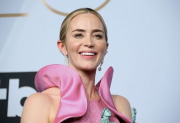 """Outstanding Performance by a Female Actor in a Supporting Role in """"A Quiet Place"""" nominee Emily Blunt poses in the press room during the 25th Annual Screen Actors Guild Awards at the Shrine Auditorium in Los Angeles on January 27, 2019. (Photo by Jean-Baptiste LACROIX / AFP)        (Photo credit should read JEAN-BAPTISTE LACROIX/AFP/Getty Images)"""