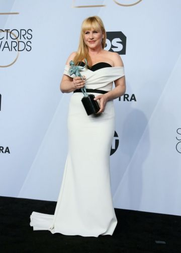 """Outstanding Performance by a Female Actor in a Television Movie or Miniseries for """"Escape at Dannemora"""" winner Patricia Arquette  poses in the press room during the 25th Annual Screen Actors Guild Awards at the Shrine Auditorium in Los Angeles on January 27, 2019. (Photo by Jean-Baptiste LACROIX / AFP)        (Photo credit should read JEAN-BAPTISTE LACROIX/AFP/Getty Images)"""