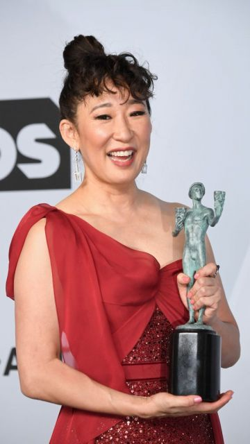 LOS ANGELES, CA - JANUARY 27:  Sandra Oh, winner of Outstanding Performance by a Female Actor in a Drama Series for 'Killing Eve,' poses in the press room during the 25th Annual Screen ActorsGuild Awards at The Shrine Auditorium on January 27, 2019 in Los Angeles, California.  (Photo by Frazer Harrison/Getty Images)
