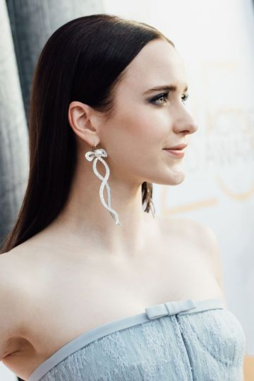 LOS ANGELES, CALIFORNIA - JANUARY 27: (EDITORS NOTE: Image has been edited using digital filters) Rachel Brosnahan arrives at the 25th annual Screen Actors Guild Awards at The Shrine Auditorium on January 27, 2019 in Los Angeles, California. (Photo by Emma McIntyre/Getty Images for Turner)
