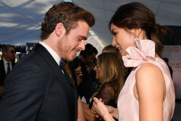 LOS ANGELES, CA - JANUARY 27:  Richard Madden (L) and Gemma Chan attend the 25th Annual Screen Actors Guild Awards at The Shrine Auditorium on January 27, 2019 in Los Angeles, California.  (Photo by Kevork Djansezian/Getty Images)
