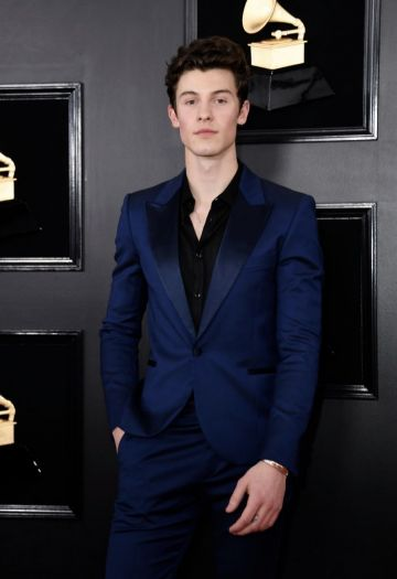 Canadian singer-songwriter Shawn Mendes arrives for the 61st Annual Grammy Awards on February 10, 2019, in Los Angeles. (Photo by VALERIE MACON / AFP)        (Photo credit should read VALERIE MACON/AFP/Getty Images)