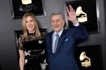 Singers Diana Krall and Tony Bennett arrive for the 61st Annual Grammy Awards on February 10, 2019, in Los Angeles. (Photo by VALERIE MACON / AFP)        (Photo credit should read VALERIE MACON/AFP/Getty Images)