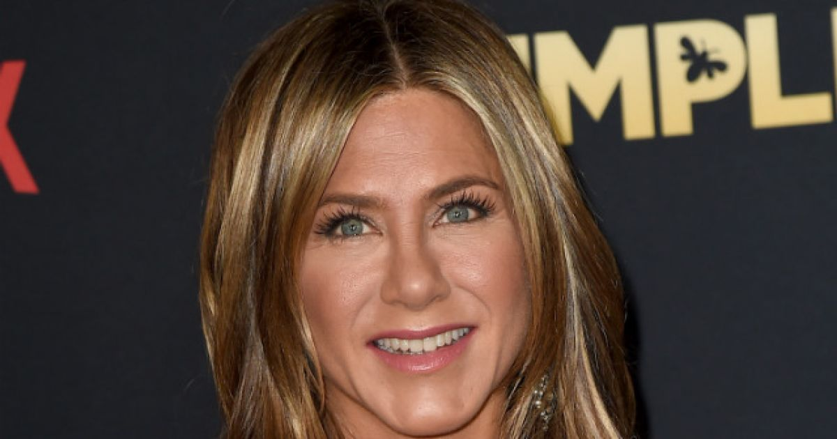 Jennifer Annistons 50th Birthday Party Jet Forced To Make An Emergency Landing