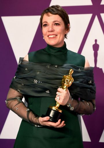 "HOLLYWOOD, CALIFORNIA - FEBRUARY 24: Olivia Colman, winner of Best Actress for ""The Favourite,"" poses in the press room during the 91st Annual Academy Awards at Hollywood and Highland on February 24, 2019 in Hollywood, California. (Photo by Frazer Harrison/Getty Images)"