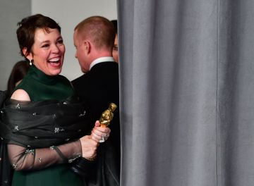 "Best Actress winner for ""The Favourite"" Olivia Colman looks on in the press room with their Oscars during the 91st Annual Academy Awards at the Dolby Theatre in Hollywood, California on February 24, 2019. (Photo by FREDERIC J. BROWN / AFP)        (Photo credit should read FREDERIC J. BROWN/AFP/Getty Images)"