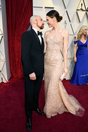 (L-R) Sam Rockwell and Leslie Bibb attend the 91st Annual Academy Awards on February 24, 2019 in Hollywood, California. (Photo by Kevork Djansezian/Getty Images)