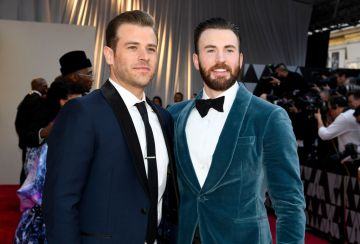 (L-R) Scott Evans and Chris Evans attend the 91st Annual Academy Awards on February 24, 2019 in Hollywood, California. (Photo by Kevork Djansezian/Getty Images)