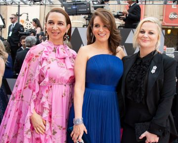 (L-R) Maya Rudolph, Tina Fey, and Amy Poehler at the 91st Academy Awards Red Carpet on February 24, 2019. (Photo by Eric McCandless via Getty Images)