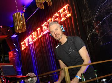 Pictured is Dec Pierce at Everleigh, the award winning club, bar and venue situated in The Dean Hotel, Harcourt Street for the official launch of the Summer Series at Everleigh with CÎROC Vodka. The Summer Series at Everleigh will see LIVE music and performances from Ireland's top entertainers throughout the summer, along with showcasing the latest CÎROC Vodka bottle experiences and bespoke cocktail menu.