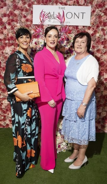 Suzanne Burke and Milliner and Judge Cathriona King with her mum at the #GalmontGirlsSquad competition in the Galmont Hotel and Spa in Galway City. Photo: Andrew Downes, xposure