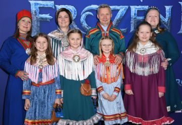 """Musical artist and president of the Sami Parliament of Finland Per Olof Nutti and family arrive for Disney's World Premiere of """"Frozen 2"""" at the Dolby theatre in Hollywood on November 7, 2019. (Photo by VALERIE MACON/AFP via Getty Images)"""