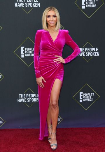 US/Italian TV reporter Giuliana Rancic arrives for the 45th annual E! People's Choice Awards at Barker Hangar in Santa Monica, California. (Photo by JEAN-BAPTISTE LACROIX/AFP via Getty Images)