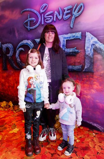 "Sooby Lynch with daughters Penny (7) and Marnie (2) pictured at the special preview screening of Disney's ""Frozen 2"" at the Light House Cinema, Dublin.  Picture Andres Poveda"