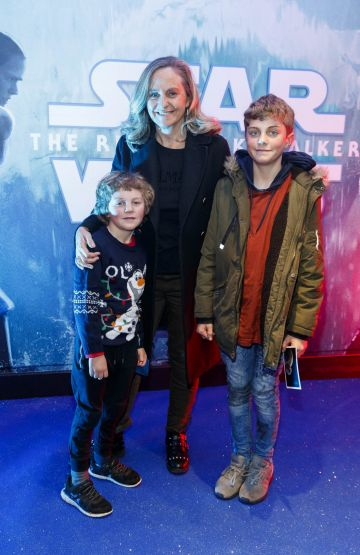 Debbie O'Donnell with sons Sam (6) and Marcus (12) pictured at the Irish premiere screening of Star Wars: The Rise of Skywalker at Cineworld, Dublin. Picture: Andres Poveda